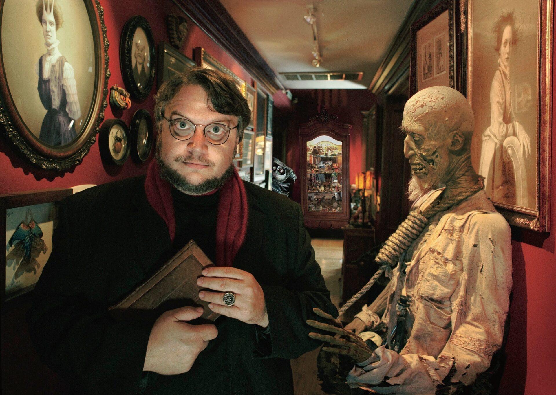 Cabinet of Curiosities Netflix Guillermo del Toro